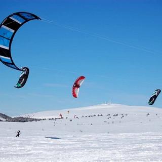 snow kite.jpg