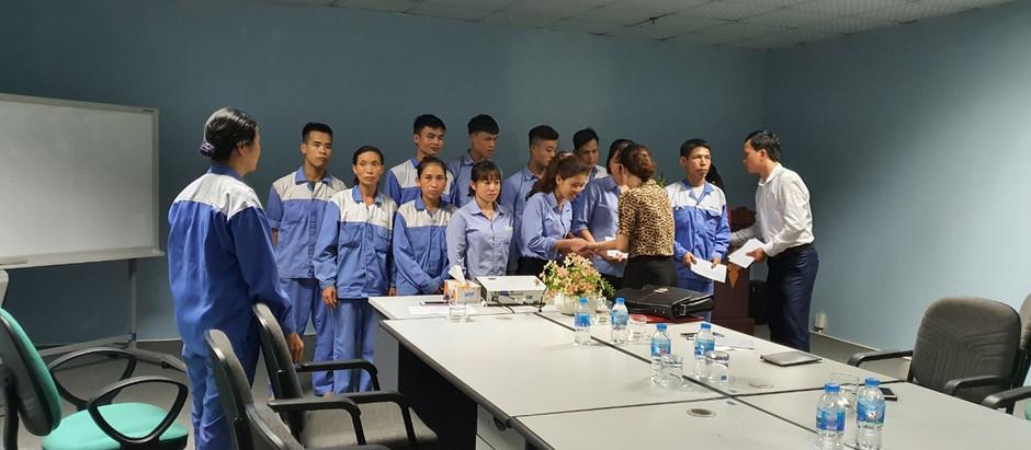 Công Đoàn Tỉnh Vĩnh Phúc Hỗ Trợ cho các gia đình thuộc diện khó khăn của công ty Mirai Industry