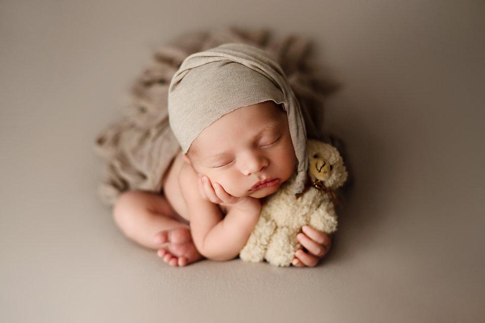 Fredericton Maternity, Newborn & Baby Photographer