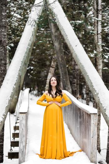 Fredericton maternity photographer