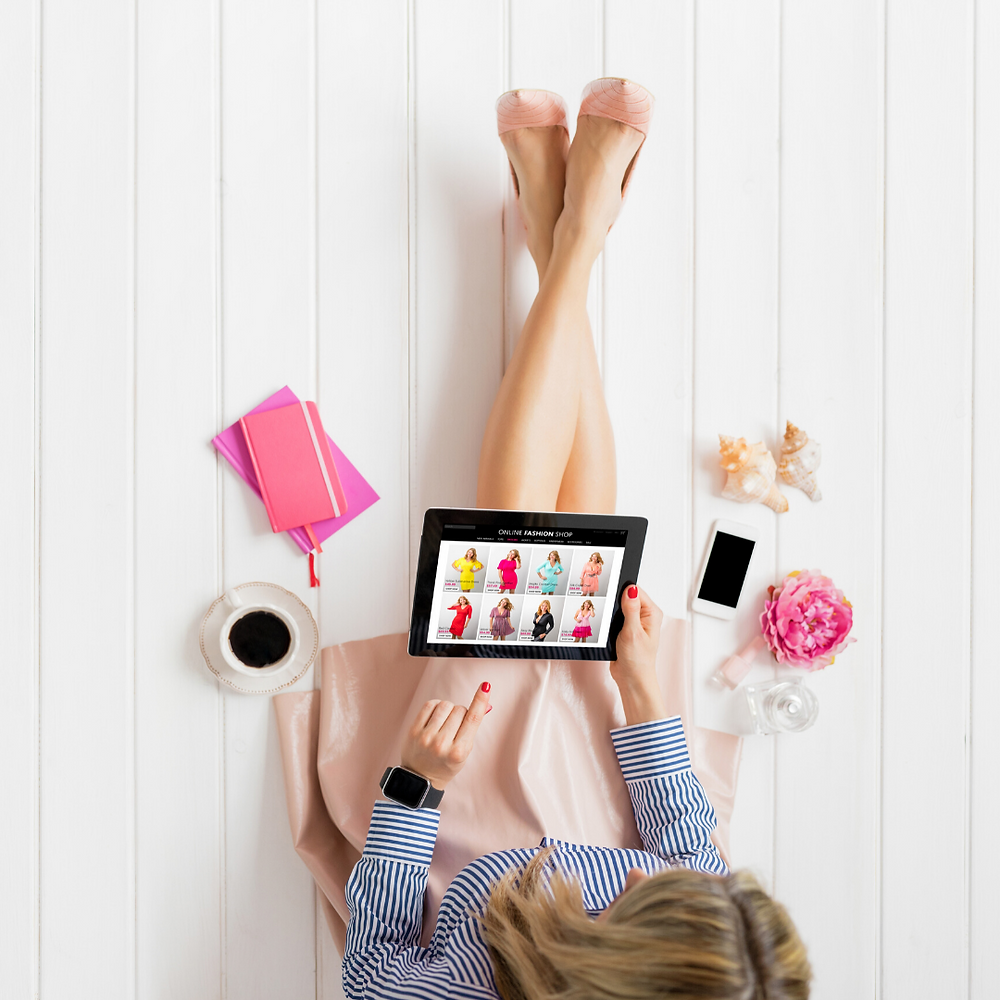 woman online shopping to define her personal style