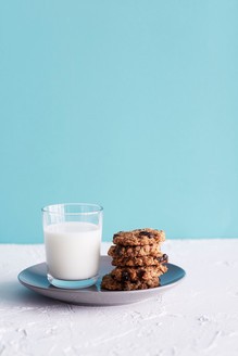 Oatmeal Maple Cookies and Milk