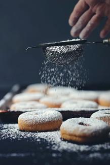 Doughnuts with Sifting Sugar