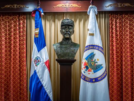 SCG33RD develiza busto en honor a Luperón.
