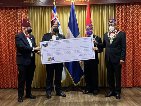 SCG33RD entrega donativo al Club Shrine Dominicano
