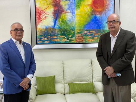 Soberano Gran Comendador realiza visita de cortesía al Archivo General de la Nación.