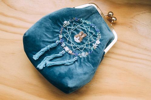 刺繡捕夢網Velvet口金袋