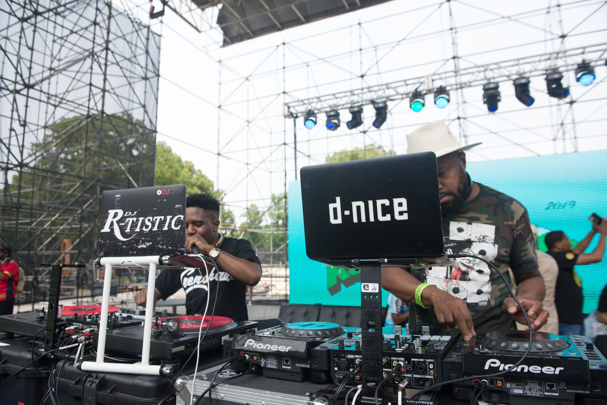 DJ R-Tistic and D-Nice