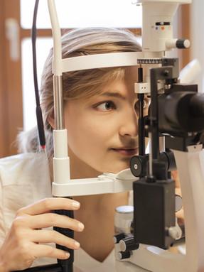 eye-check-up-doctor.jpg