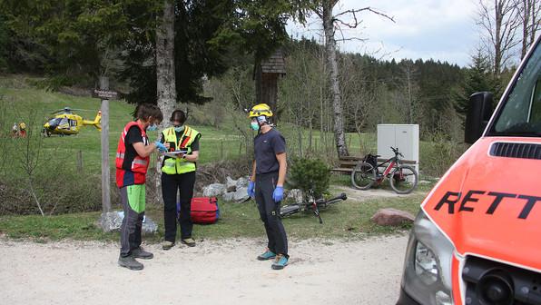🚨18.04.2020: Radsturz bei der Abfahrt von der Stoißer Alm – und vermeintlicher Gleitschirm-Absturz