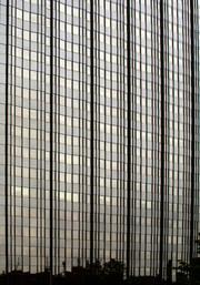 N.Y. facade - חזית בניו יורק
