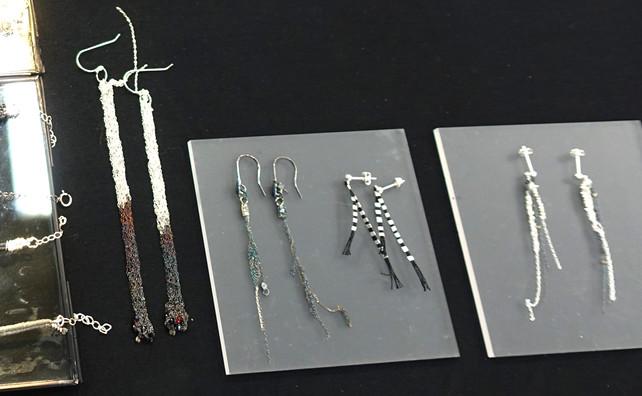 Earrings desplay