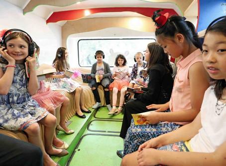 Russ the Bus: un colorido camión de intercambio cultural