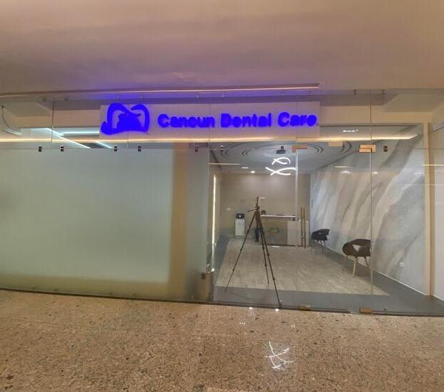 Cancun dental care Plaza Kukulkán