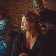 Wedding photo preperations hair | Bröllopsfoto förberedelse hår