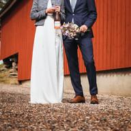 Wedding photo couple barn   Bröllopsfoto brudpar lada