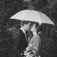 Wedding photo couple portrait umbrella | Bröllopsfoto brudpar porträtt paraply