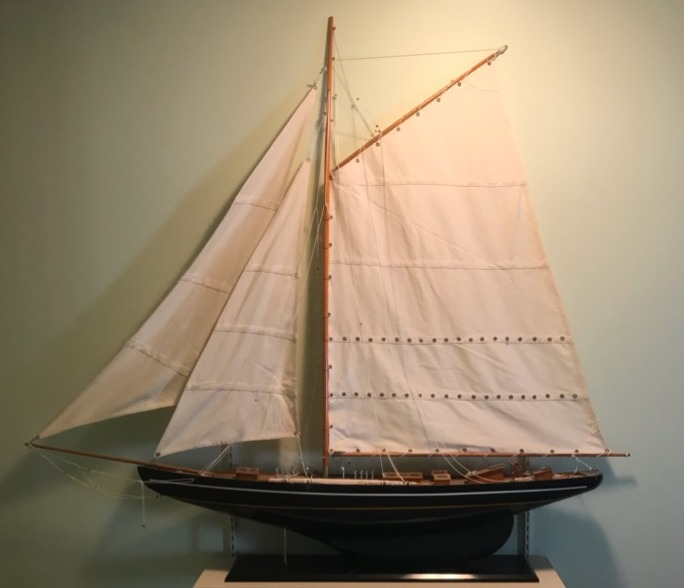 Model Yacht pic1_edited