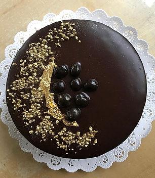 classic chocolate genoise cake with ganache glaze