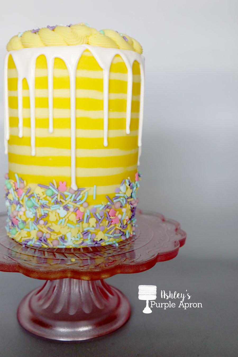 Buttercream Stripes on Cake