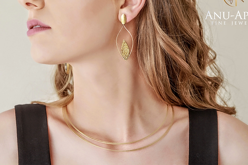18K Triple-strand collar