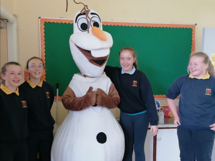 A Visit from Olaf!⛄👏