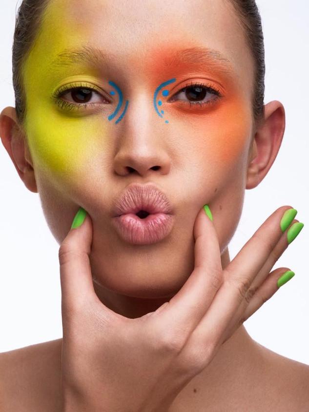 Florian Kaefmueller Britta Tess Beauty neon