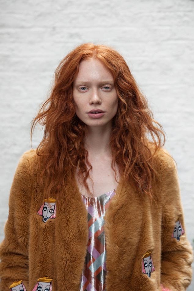 Britta Tess Ansgar Sollmann red hair Tush