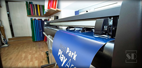 Vinyl-Cutting-Application-1.jpg