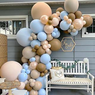 niebieskie dekoracje na baby shower