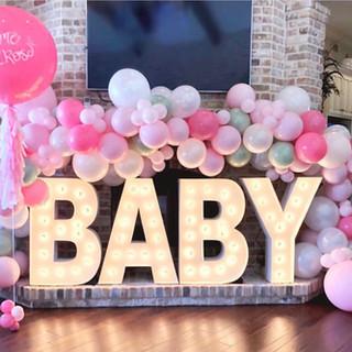 różowe dekoracje baby shower