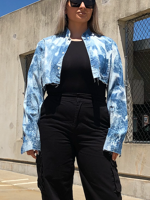 CROPPED BLEACHED BUTTON DOWN