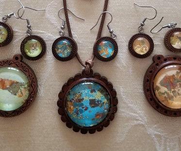 wood pendants.jpg