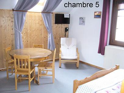 chambre 5 a .JPG