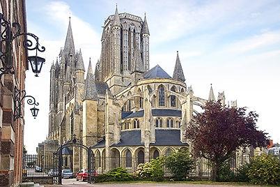 kathedraal van Coutances.jpg