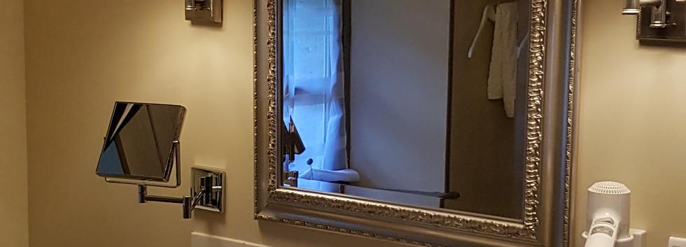 Bathroom Touche 3.jpg