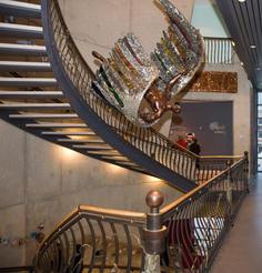 David Hess, Grand staircase