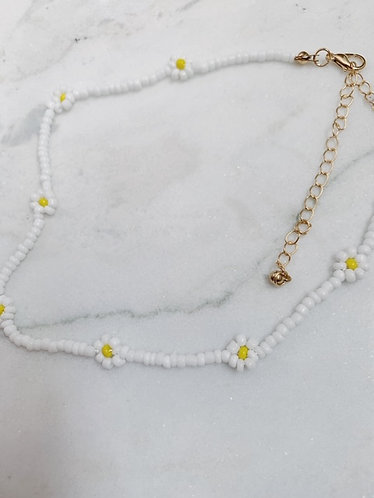 (LIMITED STOCK!) DAISY NECKLACE - WHITE & BLUE - 2 OPTIONS