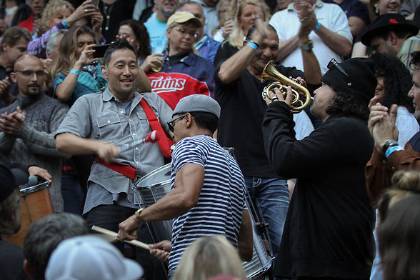 Ozomatli at Music in the Zoo 208