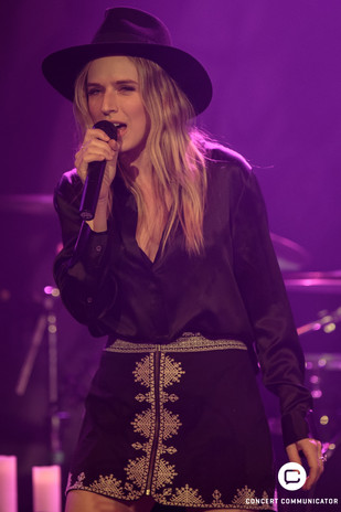 ZZ Ward on The Storm Tour