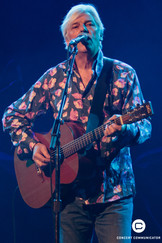 Robyn Hitchcock opens for Psychedelic Furs at First Avenue on April 6, 2017