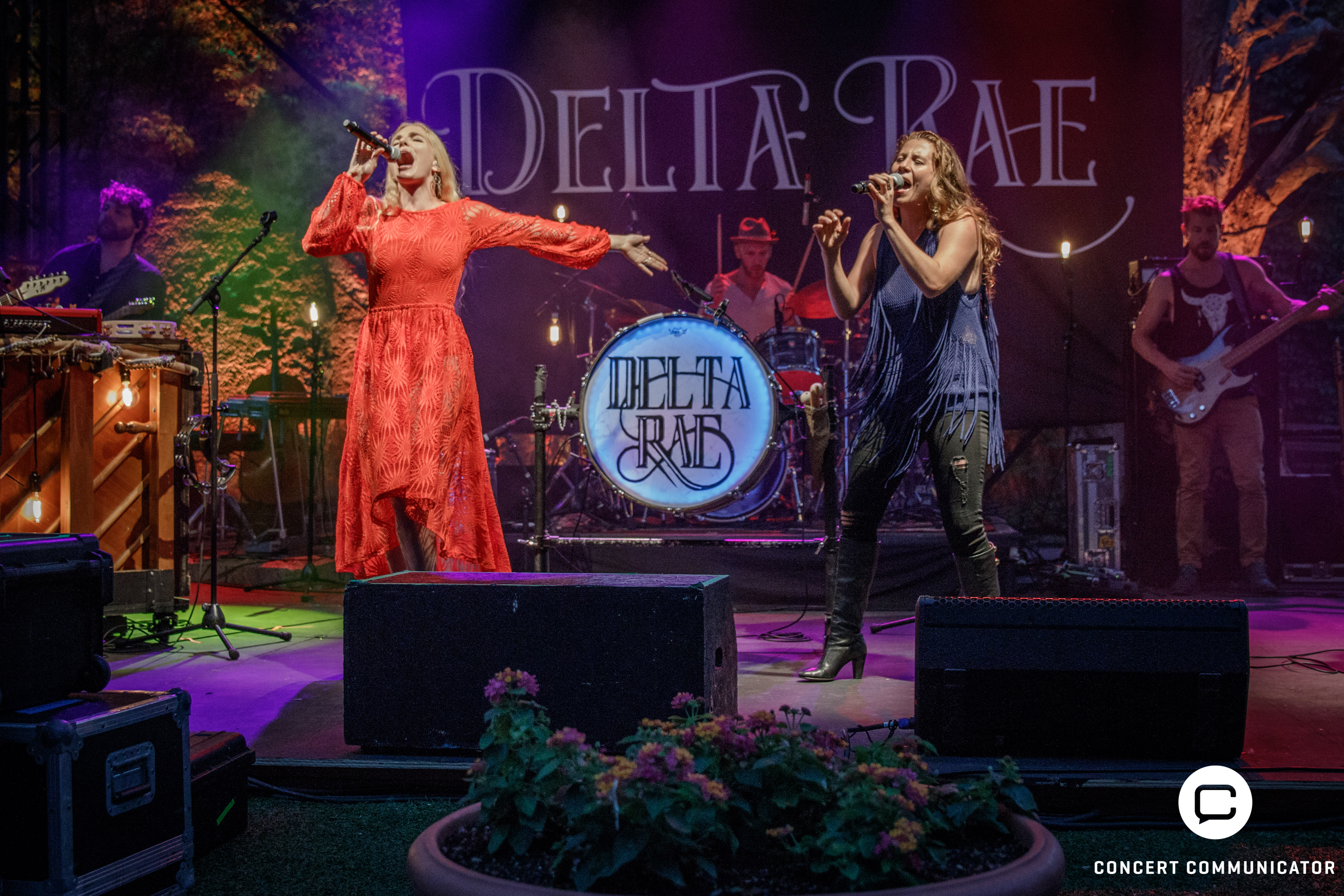 Delta Rae @ Music in the Zoo