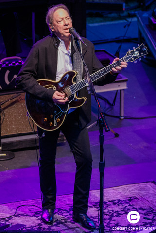 Boz Scaggs closes out opening weekend at the 2017 Music in the Zoo series at Weesner Family Amphitheater