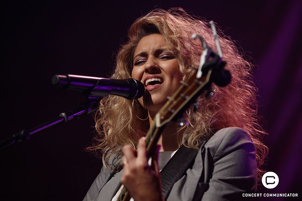 Tori Kelly The Acoustic Sessins at the Palace Theater