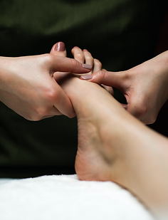 FOOT%20MASSAGE%202_edited.png