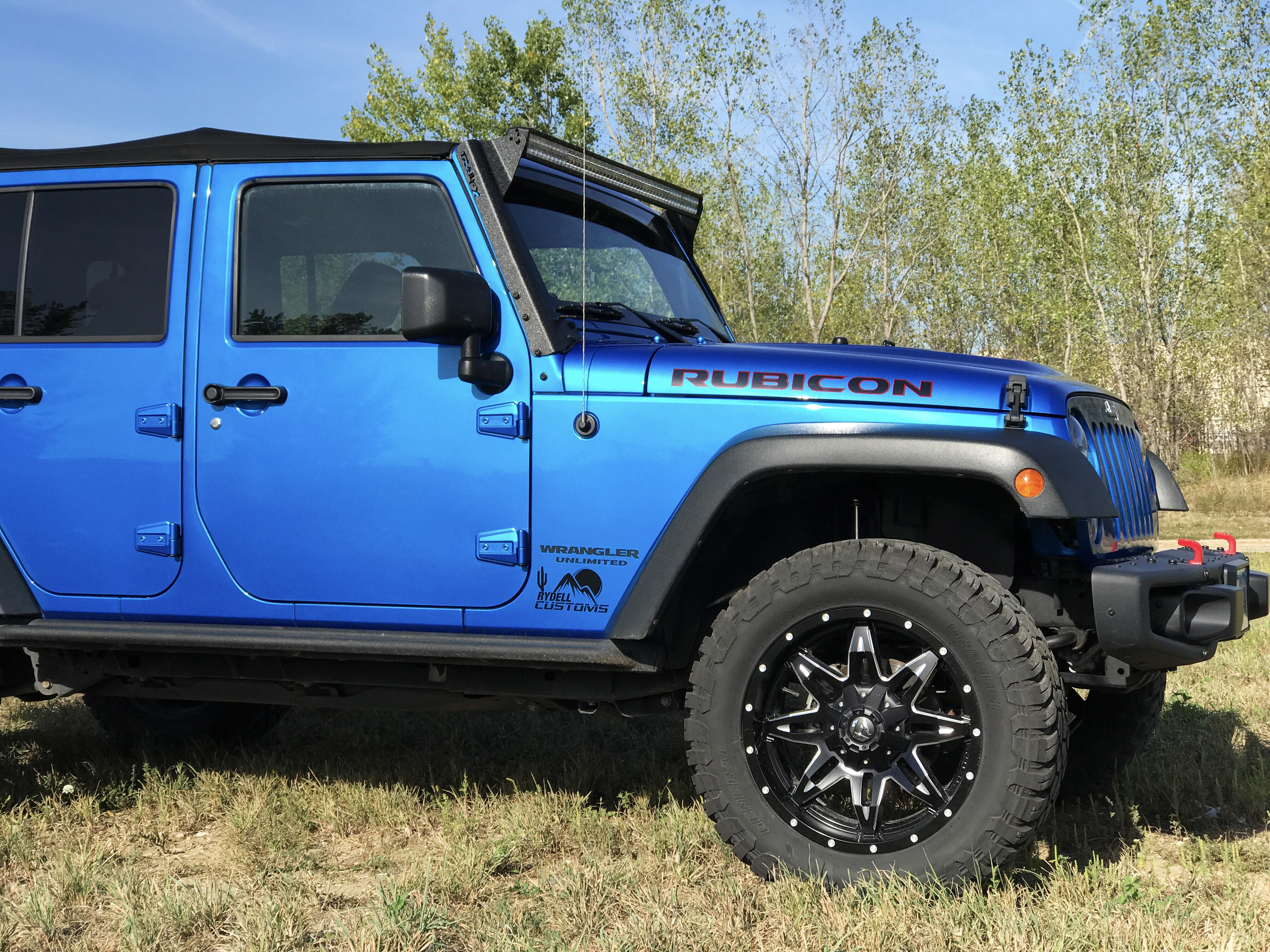 Blue Jeep Wrangler Rubiconer Rubicon