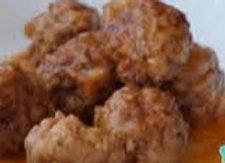 Albondigas de la casa (Hackbällchen in Joghurt-Minz-Sauce)
