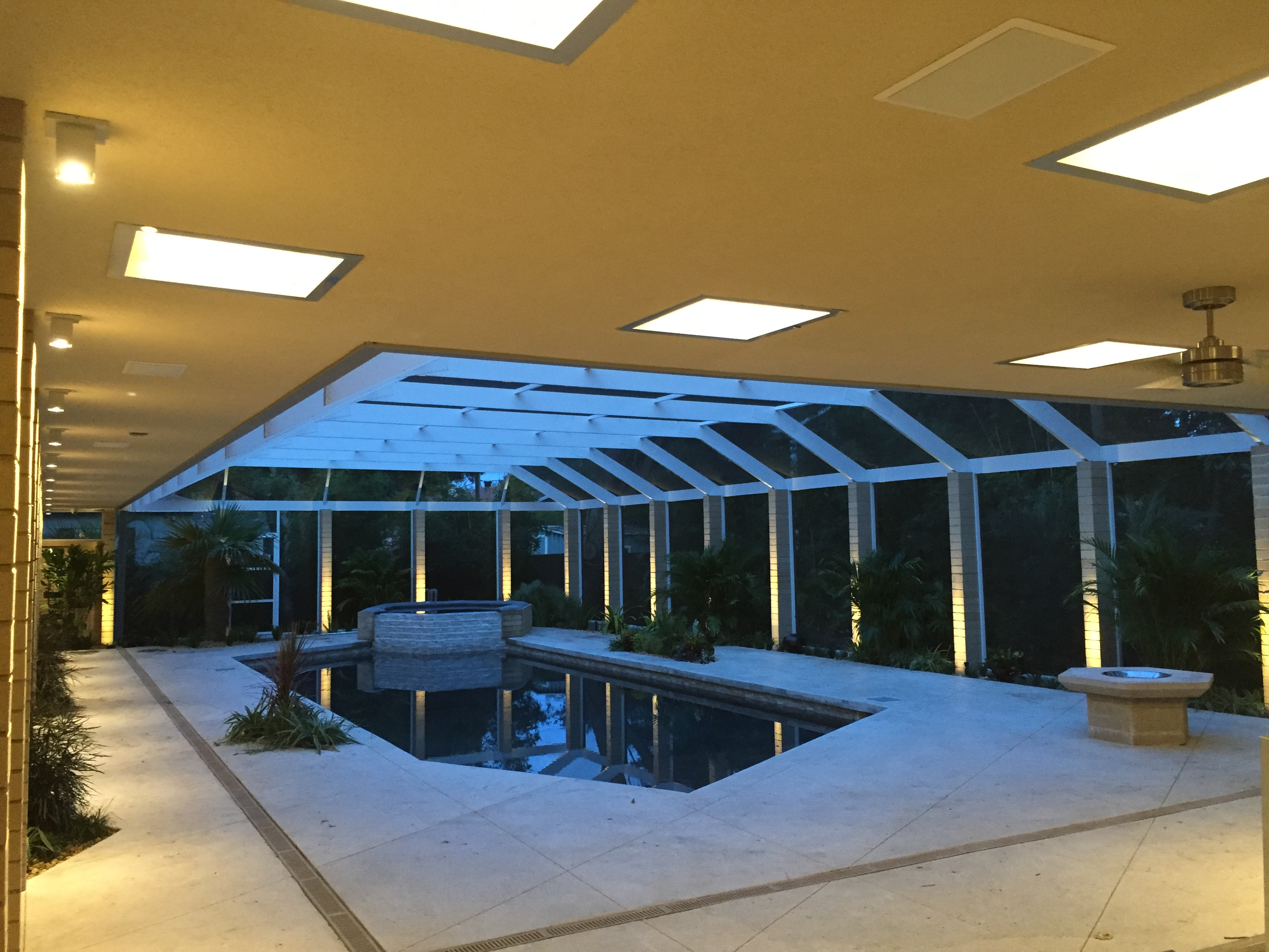 Pool column & exterior lighting