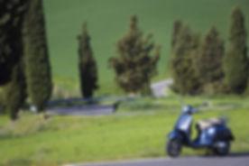 Vespa GTS 300 ABS lateral sx.jpg