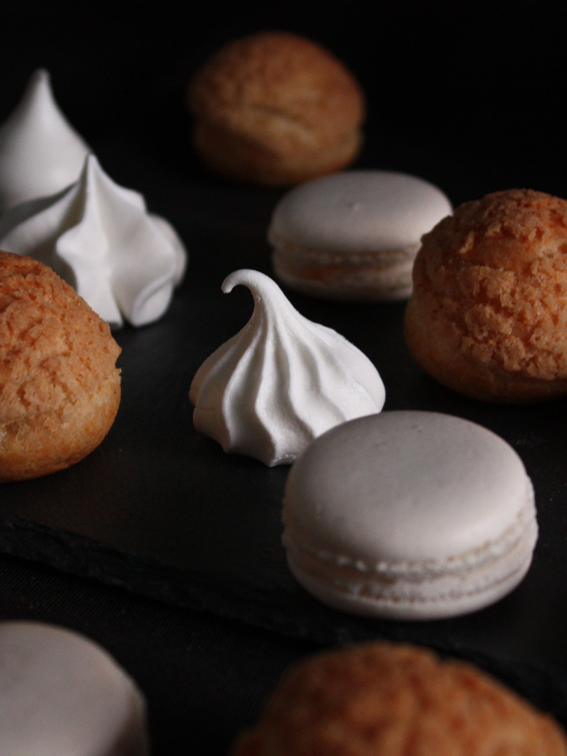 Choux Meringues & Macarons
